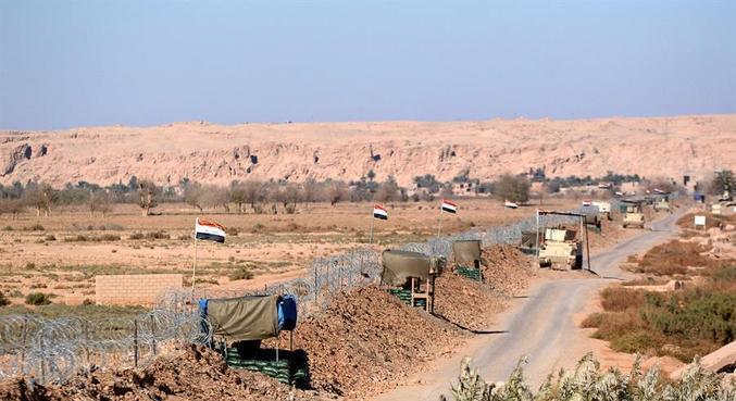 Ataque dos EUA atingiu a cidade de Abu Kamal, perto da fronteira com o Iraque