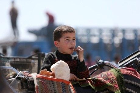Crianças na Síria estão longe das escolas