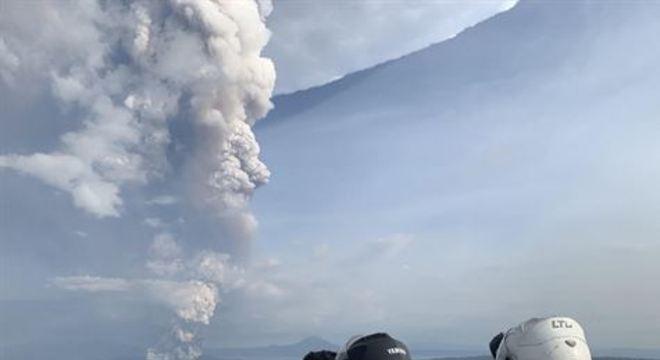 Sismólogos filipinos registraram movimentos de lava no Taal, cerca de 65 km ao sul de Manila, e uma erupção pode ocorrer'dentro de alguns dias ou semanas'