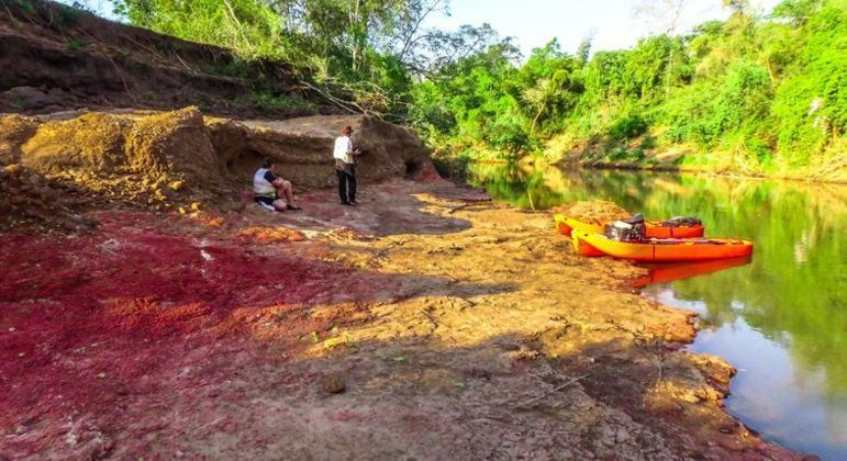 Sítios paleontológicos nas margens do Rio Nioaque