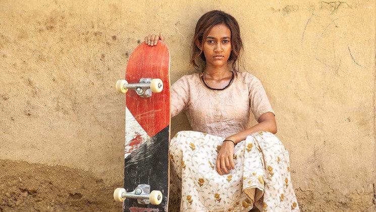Uma Skatista Radical (2021): neste filme indiano-americano, Prerna é uma adolescente indiana que vive na zona rural com a família. Ao conhecer a cultura do skate em um vilarejo, a jovem descobre um grande amor pelo esporte e decide embarcar em um sonho de se tornar umaskatistaprofissional