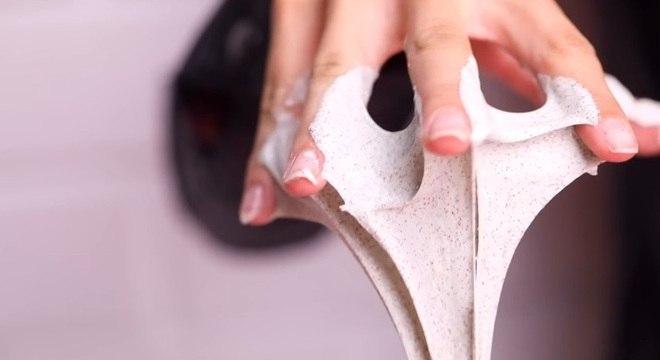 Slime, também conhecido como geleca, amoeba ou cocô de unicórnio  é a nova moda da internet