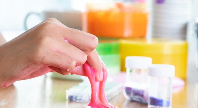 Produção de slime leva bórax, substância química que provoca intoxicação