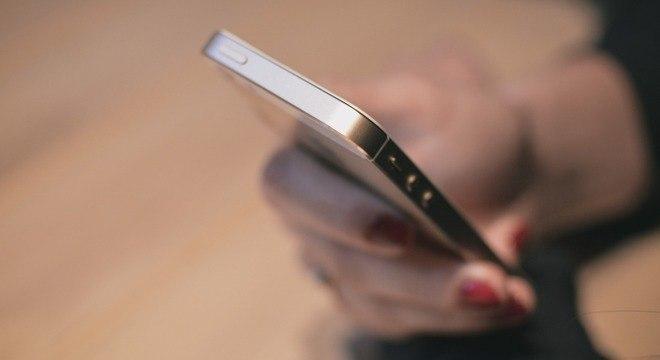 Uso excessivo de celulares pode atrapalhar a relação de pais e filhos