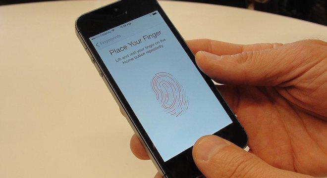 Hoje, impressões digitais são usadas para operar inúmeros dispositivos, como smartphones