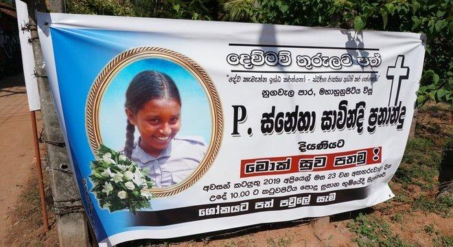 As cidades do Sri Lanka alvos dos ataques estão cheias de fotos das vítimas, em sua maioria crianças