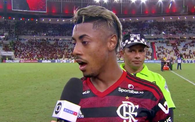 """""""Só deixar um recadinho: nós estamos brigando por título, eles eu não sei pelo que estão brigando. Então a gente tem que ter a cabeça no lugar, porque isso aqui é o que eles queriam: tumultuar o jogo, ficar fazendo gracinha. Temos que ter cabeça no lugar porque estamos em outro patamar"""", falou Bruno Henrique depois do empate do Flamengo contra o Vasco. A expressão """"outro patamar"""" viralizou entre os rubro-negros e o Fla veio a ganhar a Libertadores e o Brasileirão em 2019"""