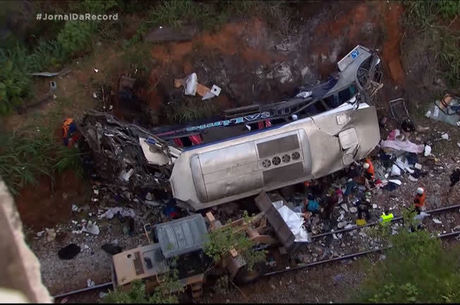 Acidente com ônibus deixou 19 pessoas mortas
