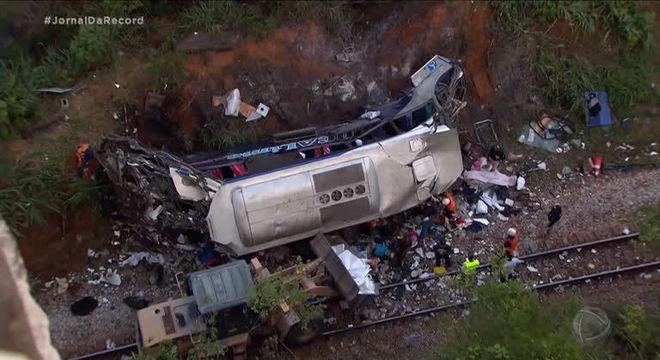 Até o momento, 19 pessoas morreram em João Monlevade (MG)