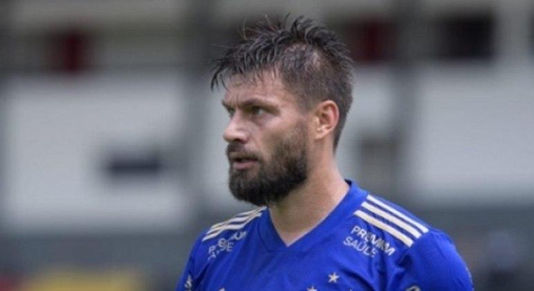 Sobis jogou como titular pela segunda vez seguida e fez o gol da vitória da Raposa sobre o Boa