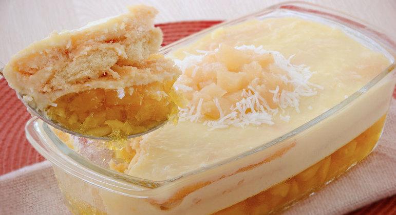 sobremesas de abacaxi com coco