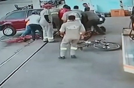 Circuito de segurança flagrou todo o acidente