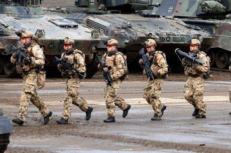 Bundeswehr carece de armamentos e efetivo