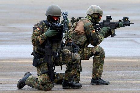 Após o ataque de 11 de setembro, a Otan passou a se envolver em mais missões militares Venda de armas