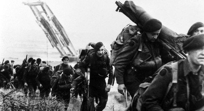 Ordem liberal mundial foi criada após a Segunda Guerra; acima, soldados britânicos na Normandia, no dia D