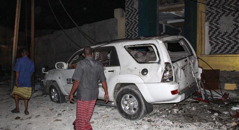 Ataque atingiu um popular restaurante na área portuária de Mogadíscio