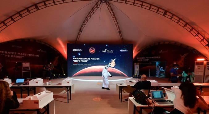 Sonda dos Emirados Árabes Unidos deve entrar na órbita de Marte hoje