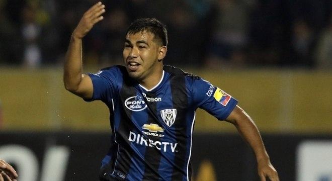 A sorte de Sornoza é que Carille se empolgou com seu futebol no Equador