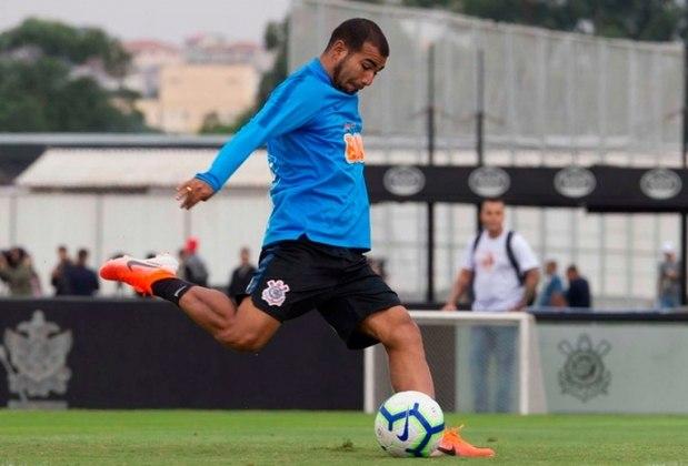 Sornoza - Em sua passagem pelo Alvinegro, em 2019, disputou 46 jogos oficiais, marcou um gol e deu 11 assistências, além de conquistar o Campeonato Paulista. Esteve recentemente emprestado para a LDU. Com as chegadas de Otero e Cazares, perdeu espaço e decidiu jogar no México.