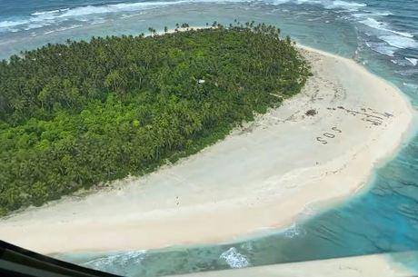 Vista da ilha de onde náufragos foram resgatados