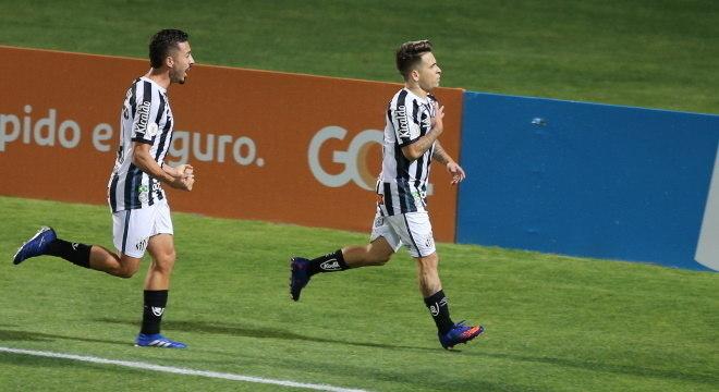 Soteldo comemora gol contra Coritiba, que pode ter sido último no Santos