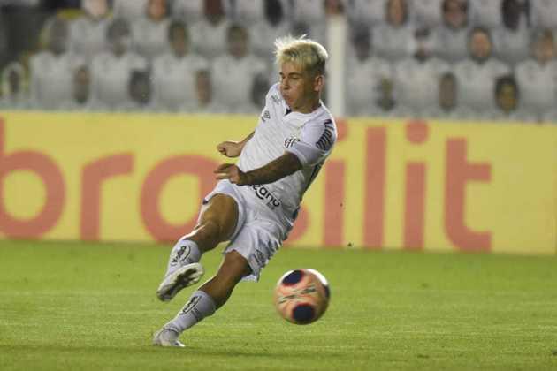 Soteldo, do Santos, jogou em nove oportunidades e ele teve apenas um gol marcado, com duas assistências. Por jogo, a finalização foi uma média de 0,9.