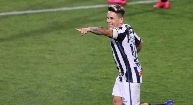 Soteldo marcou um dos gols do Santos contra o Coritiba