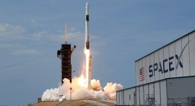 Astronautas da Nasa retornam à Terra em 2 de agosto,