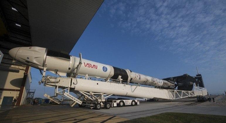 Missão Crew-2 é adiada por causa das condições climáticas