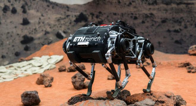 SpaceBok consegue se locomover com mais eficiência em ambiente que baixa gravidade