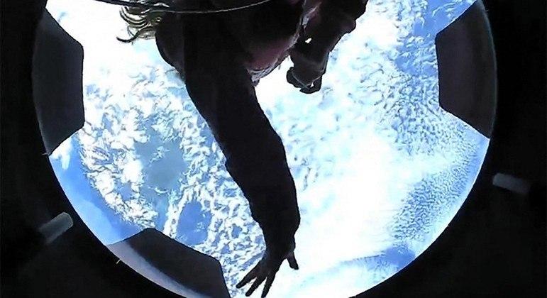 Vídeo mostra tripulantes da Inspiration4 vendo a Terra pela primeira vez
