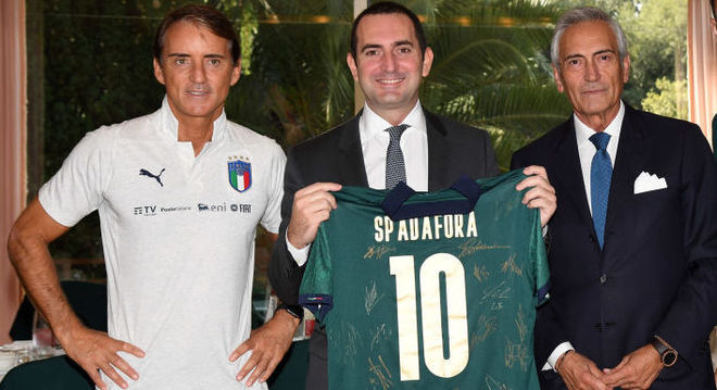 Roberto Mancini, o treinador da Azzurra, Spadafora e Gravina