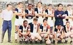 Essa terceira camisa teria como inspiração o uniforme do São Paulo nos anos de 1965 e 1966, quando essas mesmas três faixas eram traçadas verticalmente na camisa do Tricolor paulista. Dessa vez, as faixas serão traçadas com orientação na horizontal