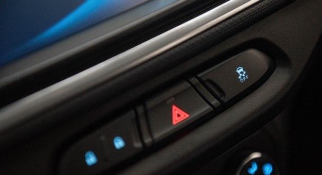 Botão que desliga o controle de tração na Chevrolet Spin 2021
