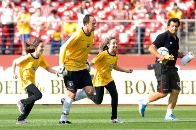 Sport - 3 gols: Ceni marcou três gols diante do Leão, todos batendo falta.