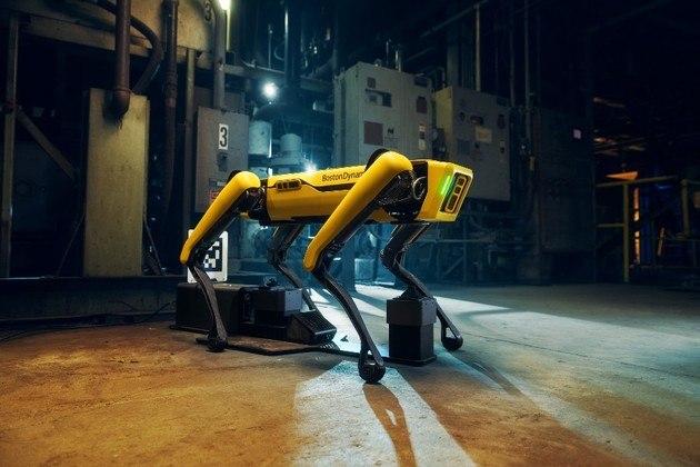 A Boston Dynamics, empresa norte-americana de engenharia robótica, divulgou um novo vídeos do robô Spot, já conhecido por sua capacidade de realizar funções interessantes, desta vez a máquina mostrou suas habilidades para ajudar nas tarefas domésticas*Estagiário do R7 sob supervisão de Pablo Marques