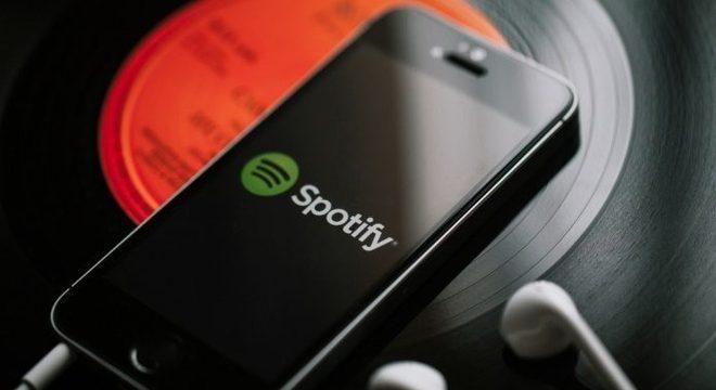 """Spotify lança playlists da década com temas como """"sofrência"""" e """"baile""""; veja"""