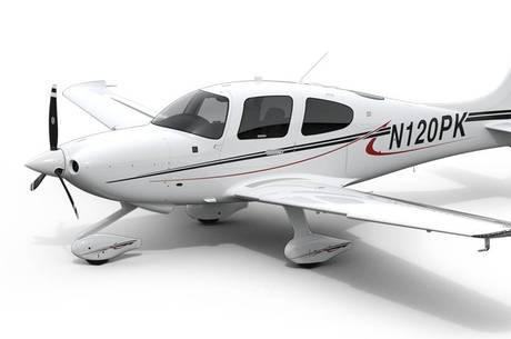 Avião conta com paraquedas para tripulação