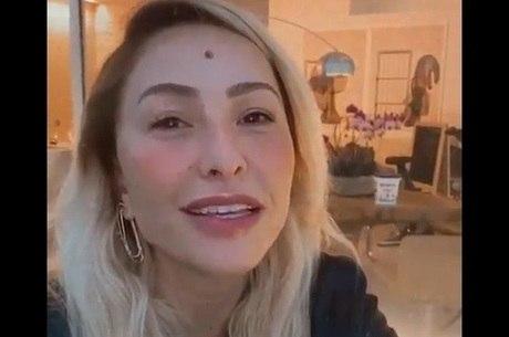 Sabrina também agradeceu carinho dos fãs