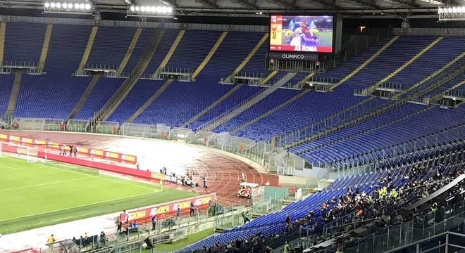 O canto do Olímpico, onde se aninharam alguns torcedores
