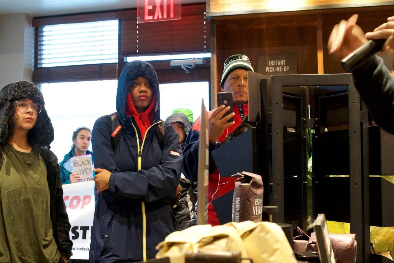 Starbucks fechará lojas nos EUA em 29 de maio contra o racismo