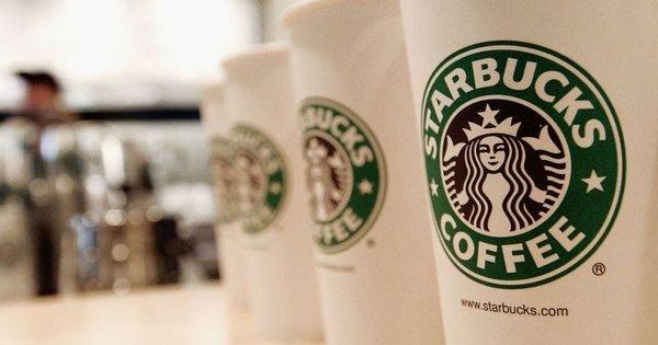 Por que gigantes como Starbucks, Coca-Cola, Unilever e Diageo suspenderam publicidade nas redes sociais