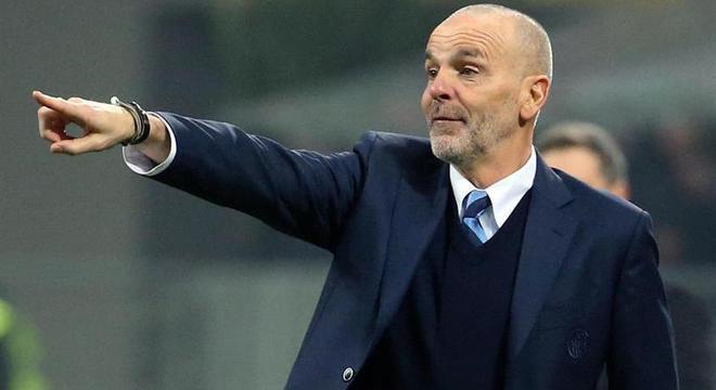 Treinador não é bem visto pela torcida do Milan, por ser torcedor da Inter de Milão