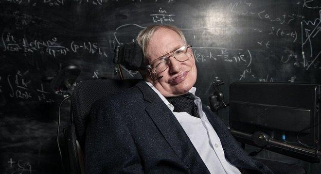 Teorias de cientistas como Einstein e Stephen Hawking ajudaram a prever o fenômeno