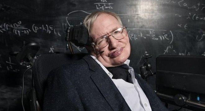 Stephen Hawking morreu no início do ano