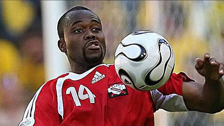 Stern John: 70 gols em 115 jogos pela seleção de Trinidad & Tobago.
