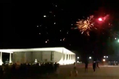 Fogos de artifício explodem perto do prédio do STF