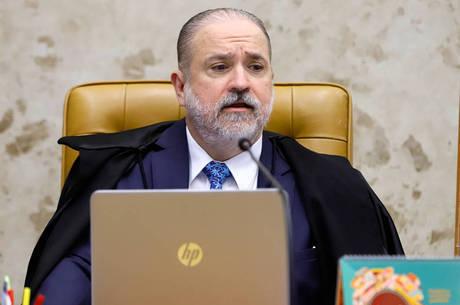 Aras enviou ofício com o pedido para a Polícia Federal