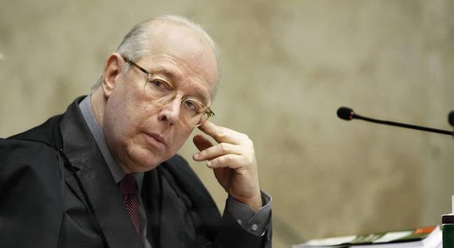 Celso de Mello determina depoimento presencial de Bolsonaro