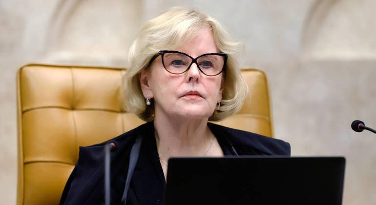 Rosa Weber deu prazo de 10 dias para que Bolsonaro, o Senado e a Câmara se manifestem